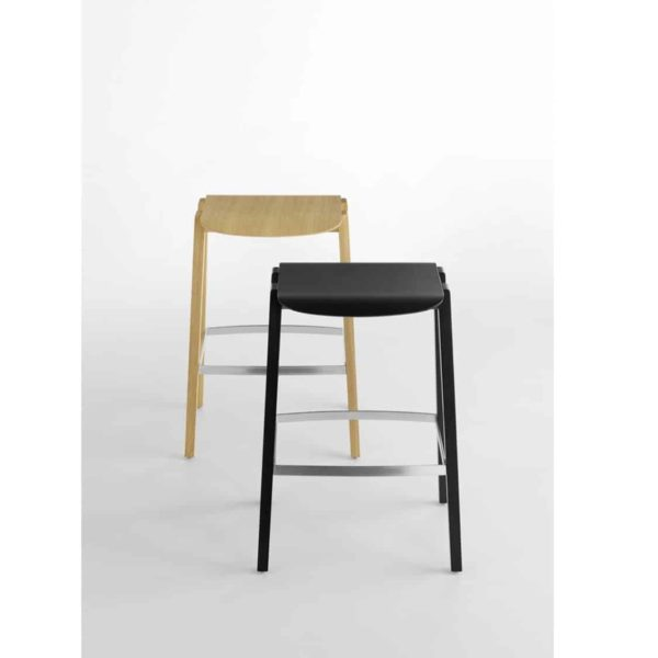 Mixis Bar Stool Crassevig at DeFrae Contract Furniture Range