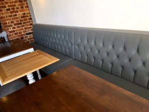 Button_Back_Banquette_Bespoke_Fixed_Seating_at_The_Horse_And_Well_By_DeFrae_Contract_Furniture.png_2